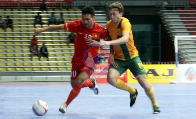 Giải Futsal AFF 2013: Thua Australia 1-6, ĐT Việt Nam tranh hạng Ba với Indonesia