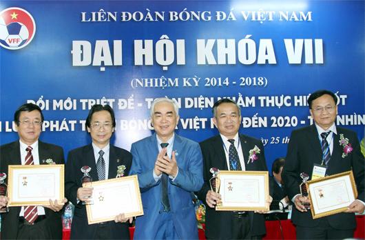 VFF vinh danh 60 cá nhân có đóng góp cho sự nghiệp phát triển bóng đá Việt Nam