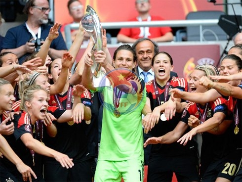 Đức lần thứ sáu liên tiếp vô địch nữ châu Âu