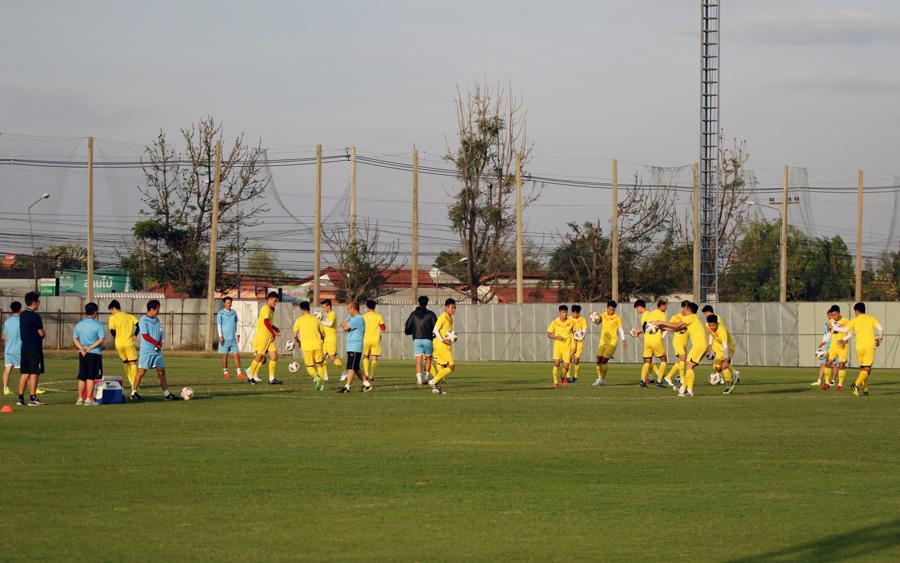 Trung vệ Ngọc Bảo tự tin: 'U23 Việt Nam đã có cách khắc chế UAE' - 1