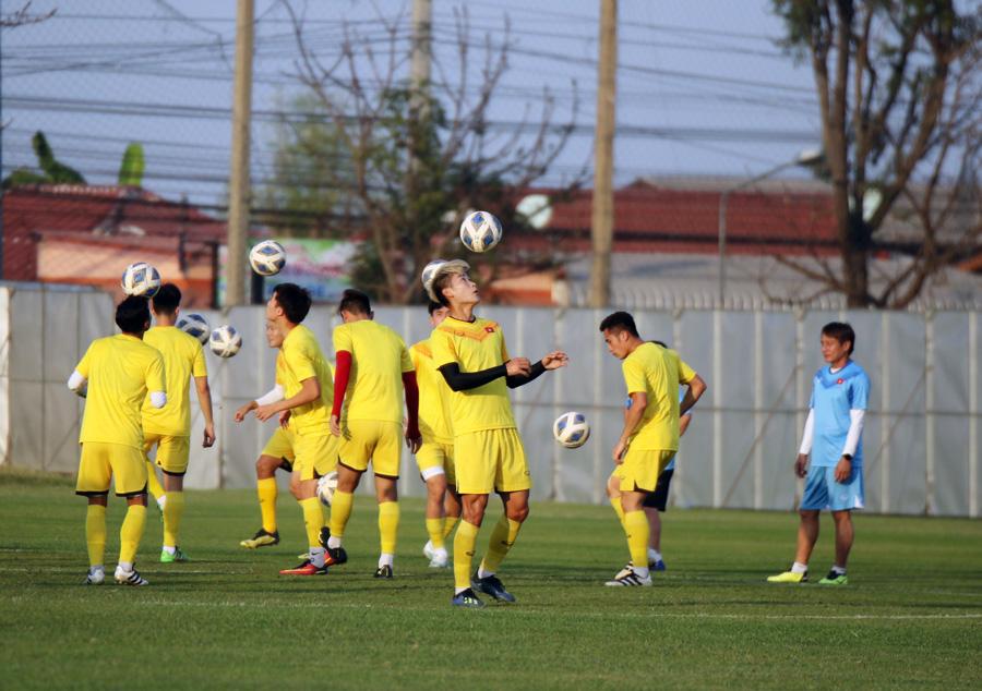 Trung vệ Ngọc Bảo tự tin: 'U23 Việt Nam đã có cách khắc chế UAE' - 4