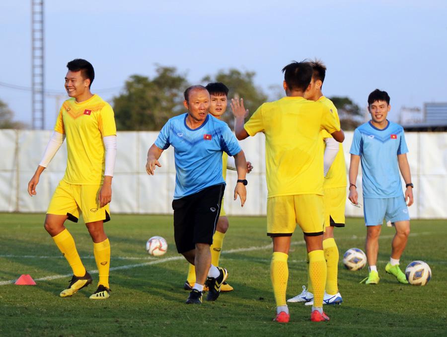 Trung vệ Ngọc Bảo tự tin: 'U23 Việt Nam đã có cách khắc chế UAE' - 7