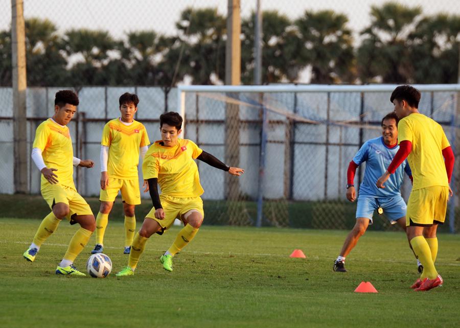 Trung vệ Ngọc Bảo tự tin: 'U23 Việt Nam đã có cách khắc chế UAE' - 9