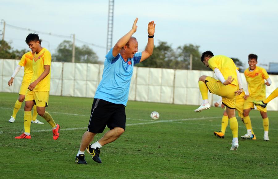 Trung vệ Ngọc Bảo tự tin: 'U23 Việt Nam đã có cách khắc chế UAE' - 10
